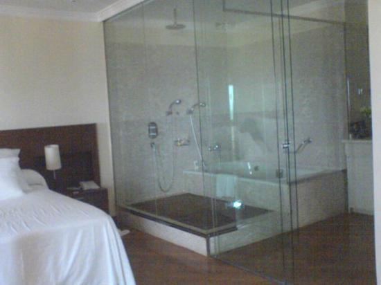Barcelo Corralejo Bay: bathroom area exec suite