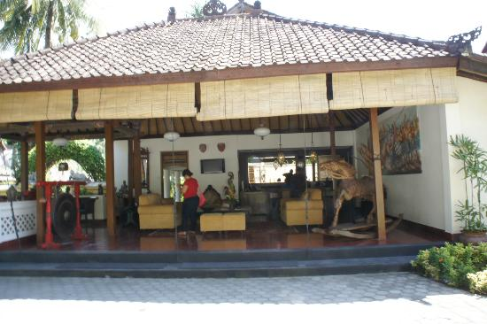 Puri Mas Boutique Resort & Spa: The reception
