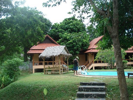 Green Villa : Ausblick mit Pool ;)