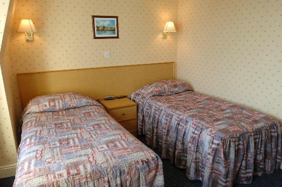 The New Beach Hotel: Twin Room