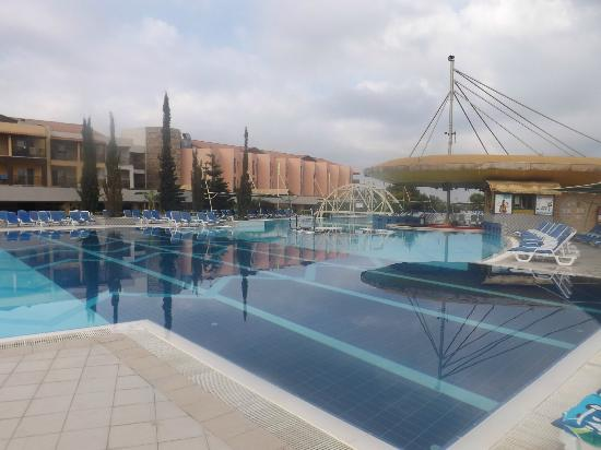 Aqua Fantasy Aquapark Hotel & SPA: Pool