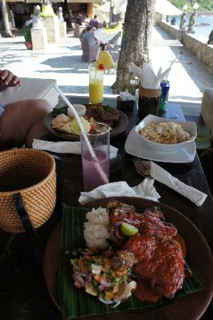 Puri Mas Boutique Resort & Spa: Our lunch at beachfront verandah