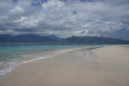 Puri Mas Boutique Resort & Spa: Beach at one of Gili islands