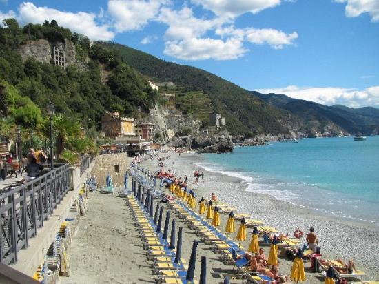 The Beach at Moneglia - Picture of Abbadia San Giorgio, Moneglia ...