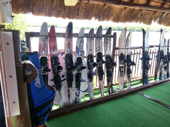 Club Med Cancun Yucatan: Watersky equipment