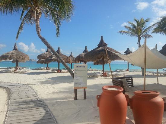 Club Med Cancun Yucatan: Beach 