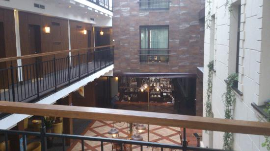 Daugirdas Hotel: Atrium (taken from the 2nd floor)