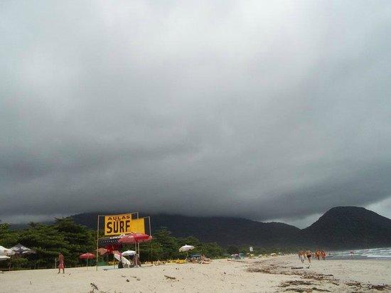 Itamambuca Beach : se viene la tormentaaa...