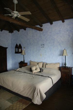 Hacienda La Isla Lodge: Das Zimmer in der alten Kapelle