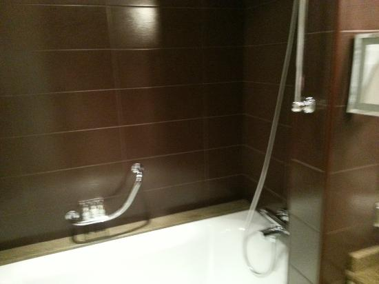 Radisson Royal Hotel Moscow: Superior Room - Bathroom