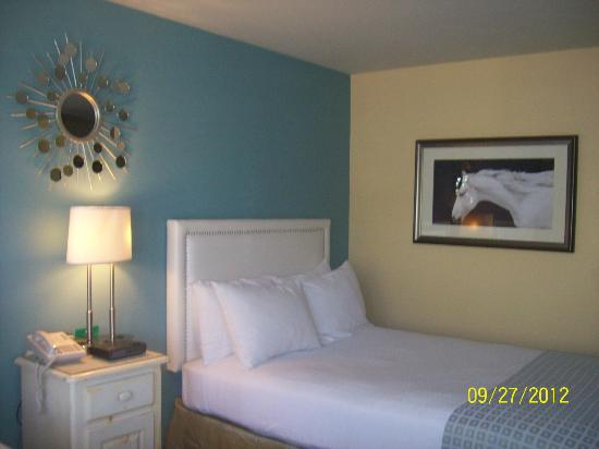 Wine Valley Inn & Cottages: Comfortable room, two double beds, plenty of space