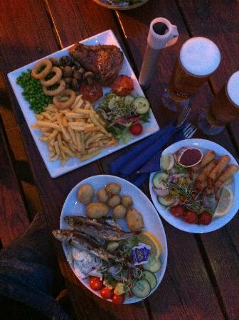 The Galleon Inn: three good meals
