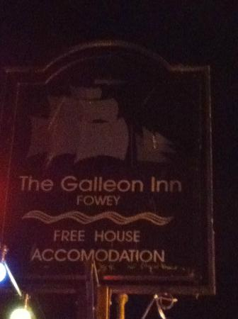 The Galleon Inn: The Galleon by night