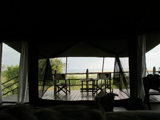 Kilima Camp: view over the mara lying in bed
