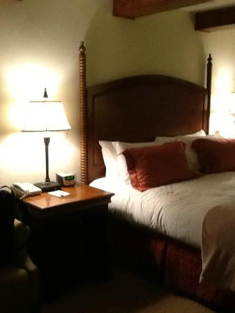 Snake River Lodge and Spa: very posh and comfy bedding