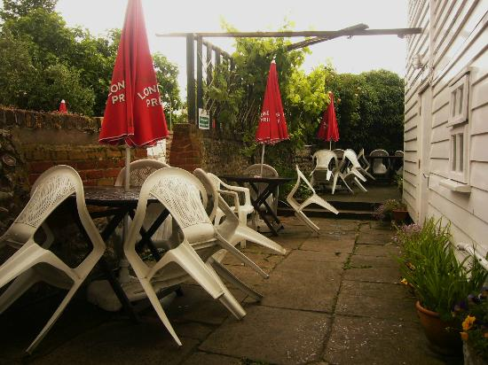 Blakes of Dover Restaurant: BEER GARDEN