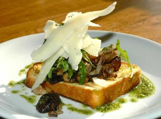 Charlie's Bistro: delicious wild mushrooms
