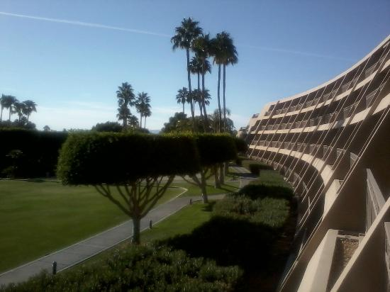 The Phoenician, A Luxury Collection Resort, Scottsdale: View from our window... lovely day!