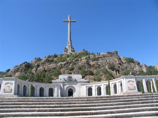 Valle de los Caídos: Full front view