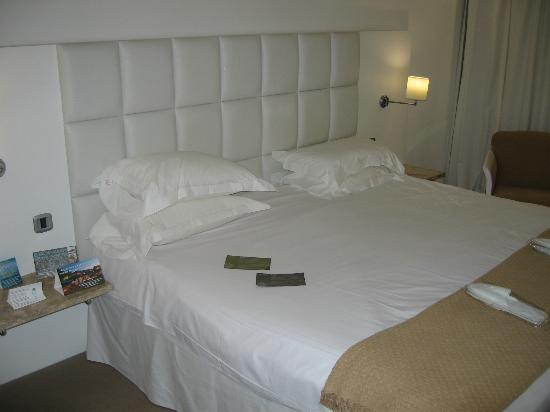 Grecian Park Hotel: Room Interior