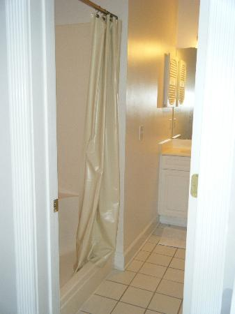 Myrtlewood Villas: 2nd bath stand up large shower