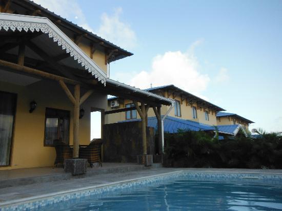 Orchid Villas Mauritius: vue de la piscine 2
