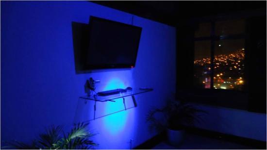 Paisasky: area entretenimiento con tv led, videojuegos, películas