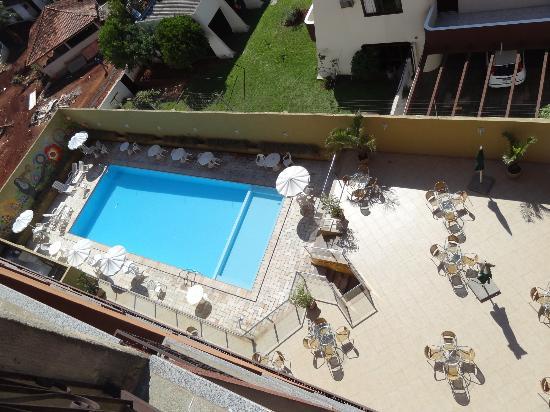 Hotel Rafain Centro: vistas de la pileta desde la habitacion