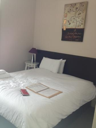 Shirley Hotel: single room