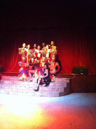 Paradisus Rio de Oro Resort & Spa: Cuban dancers did what they could