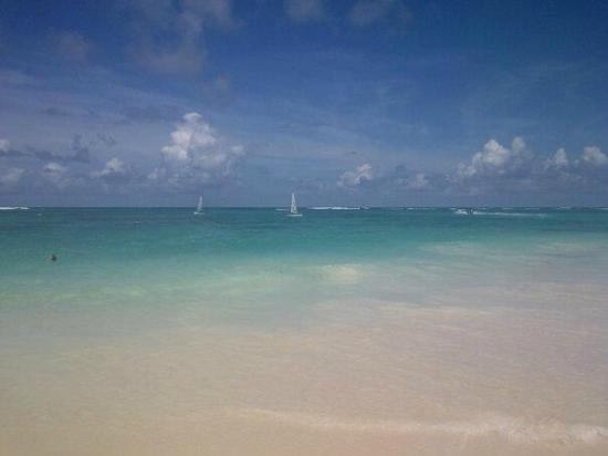 إيبروستار دومينيكانا أول إنكلوسف: playa 