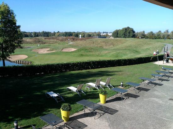 Novotel Saint Quentin Golf: Novotel vue de la Chambre