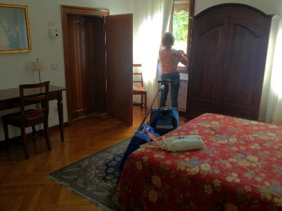 Casa Rezzonico : Spacious room