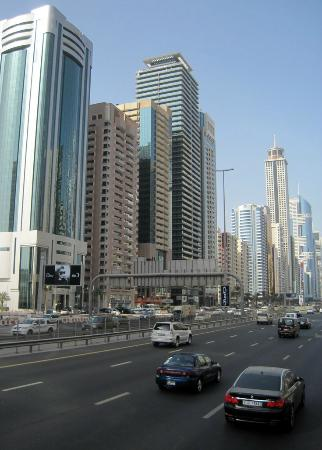 Four Points by Sheraton Sheikh Zayed Road, Dubai: Front view from Sheik Zhayed rd
