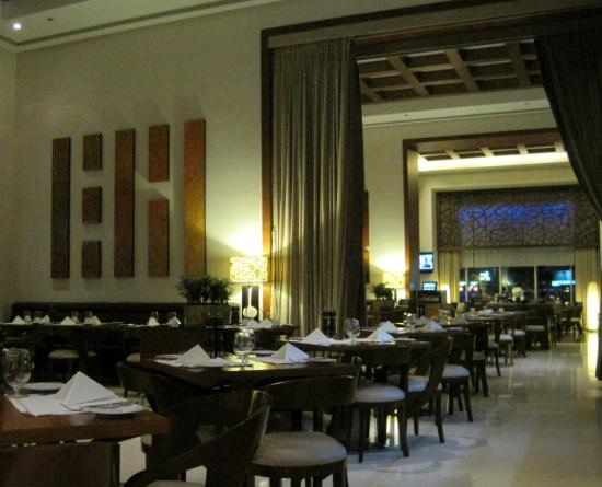 Four Points by Sheraton Sheikh Zayed Road, Dubai: Breakfast room