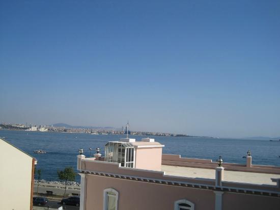 Armada Terrace Restaurant : nice view of the sea