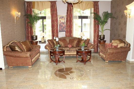 Hotel Bohema: Reception