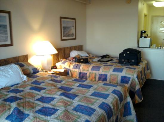 Carousel Resort Hotel & Condominiums: Room & our mess :)