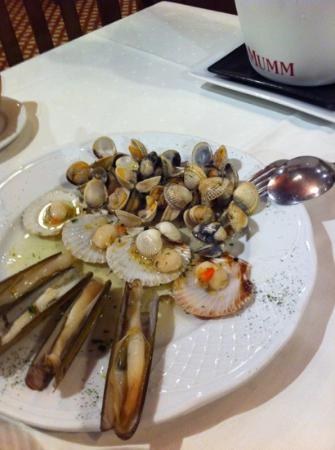 Rimbombin: plate with clams