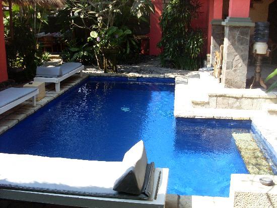Flashback's: Hotel Pool
