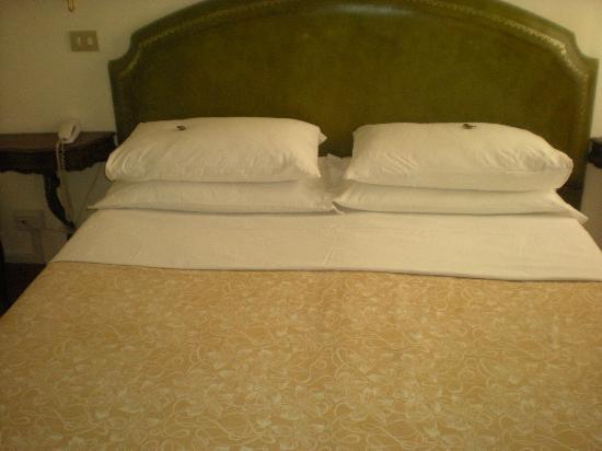 Hotel Minerva & Nettuno: letto