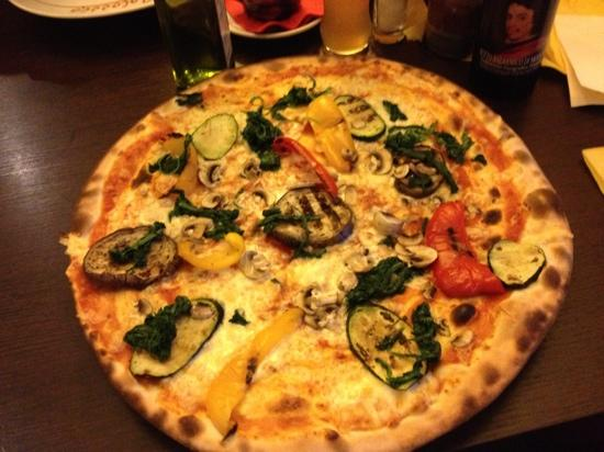 Colosseo: very tasty pizza