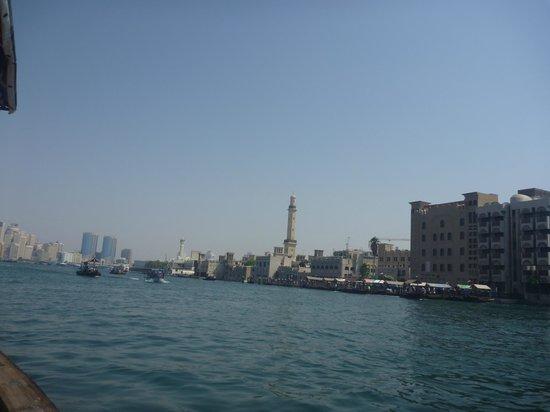 Dubai Creek : Zicht op een deel van de oude stad vanaf het water