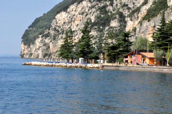 Residence La Portella : Der Strand von Tignale