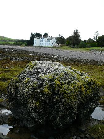Balcary Bay Country House Hotel : Balcary Bay Hotel from the beach
