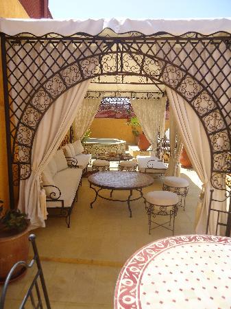 Riad Aldiana: Terrasse