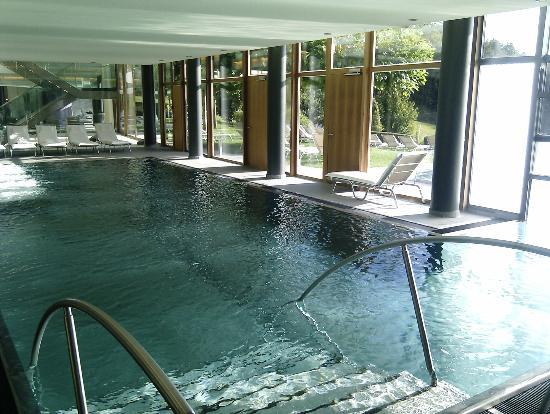 Falkensteiner Balance Resort Stegersbach: indoor pool, direkt mit außenpool verbunden