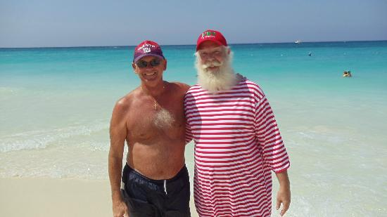 Casa Del Mar Beach Resort: Santa on the beach at CDM