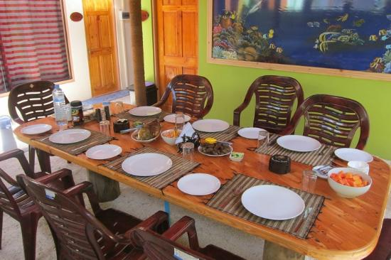 Guraidhoo Corner: Dining table