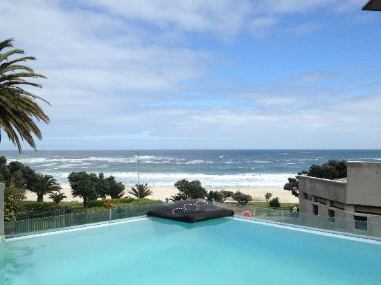POD Camps Bay : View from lobby